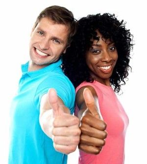 a couple with thumps up show how to strengthen your relationship