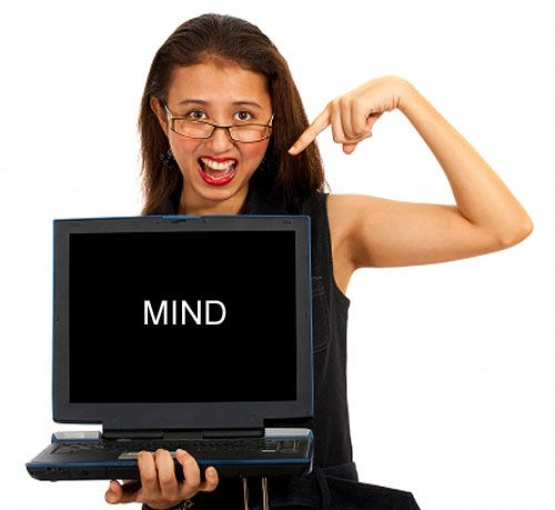 girls shows mind control on laptop