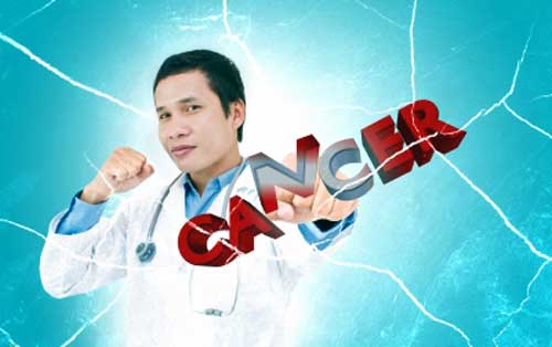 doctor teaching breast cancer prevention tips