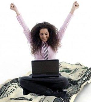 woman happy to make money blogging online